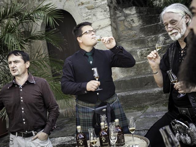 Schlosswhisky-Fassoeffnung